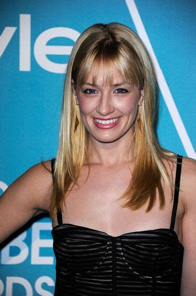 Beth Behrs Broke Girls Celebrities Public Figures