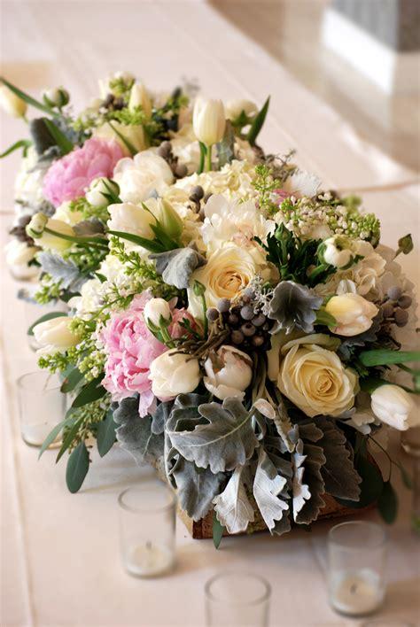 flower arrangement ideas for dinner winter rehearsal dinner at the mansion at turtle creek cebolla fine flowers