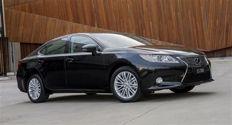 lexus luxury car lexus es large luxury sedan returns from 63 000 photos