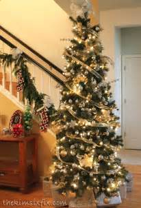 Raz Christmas Decor by 2014 Christmas In The Community S Gold And Silver Tree