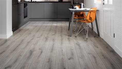 Laminate Flooring  Wood Effect Flooring  Howdens