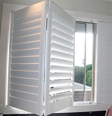 Fensterläden Für Innen by Au 223 En Holz Jalousien Komponenten Innen Bi Fold