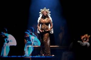 Beyoncé Performs 'Love Drought' and 'Sandcastles ...