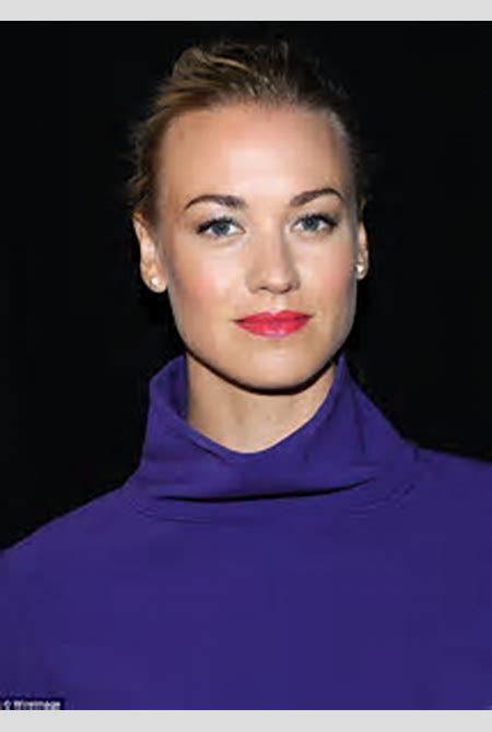 Yvonne Strahovski reveals she didn't give in to pressure to change her unusual surname | Daily ...