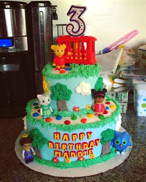tigger birthday cake template 25 best ideas about daniel tiger cake on pinterest