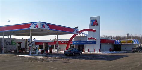 File:TravelAmerica truck stop, Maybrook, NY.jpg ...