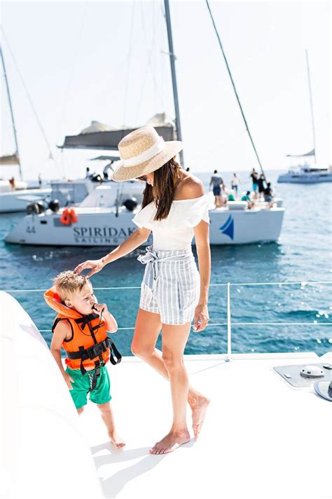 25+ best ideas about Sailing outfit on Pinterest | Sailing style Womenu0026#39;s nautical holiday ...
