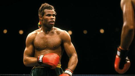 When Kirkland Laing fought Colin Jones - Boxing Ace