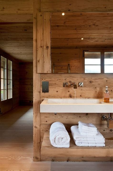 si鑒e pour salle de bain 15 idées intéressantes pour ceux qui aimeraient avoir une salle de bain rustique bricobistro