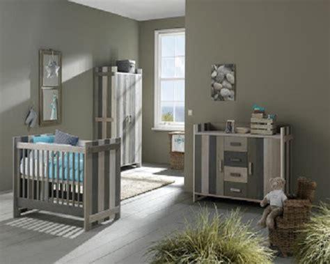 chambre nourrisson décoration chambre bébé gris et blanc bébé et décoration