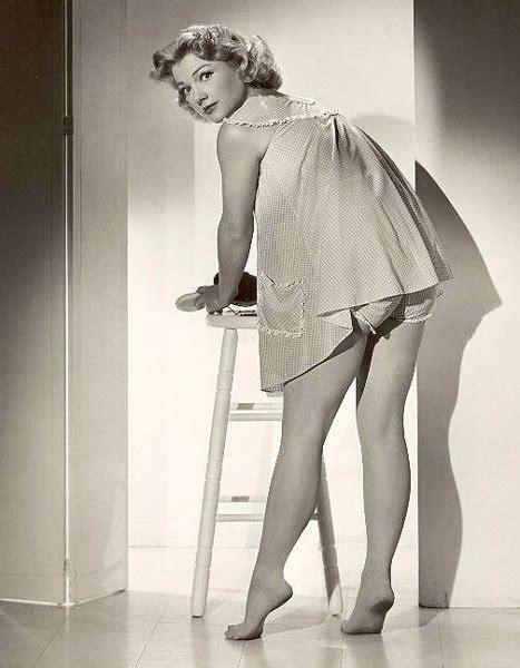 Anne Baxters Feet