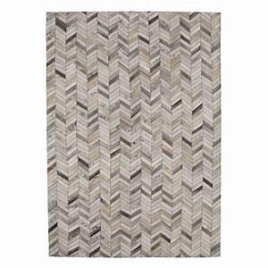 tapis en cuir argent 140 x 200 cm zigzag maisons du monde With tapis en cuir