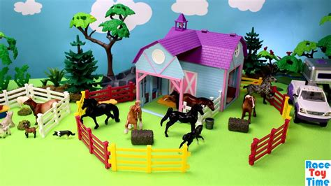 Horse Stable Barn And Farm Animals Breyer Toy Playset