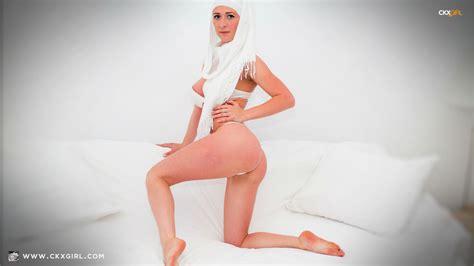 Wetblog Naomi Mature Nude