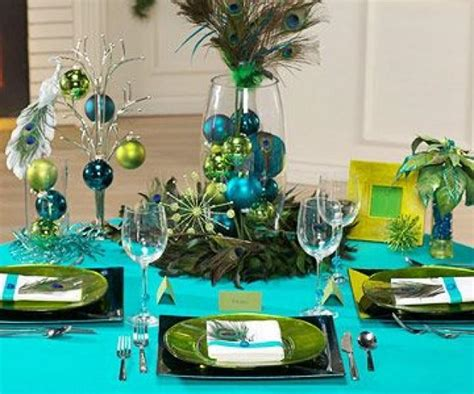 Peacock Decorations For Home: Peacock-Theme Christmas Table Decorating Ideas #2060175