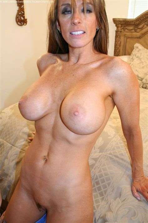 402321968 In Gallery Some Milf Cougar And Grannies