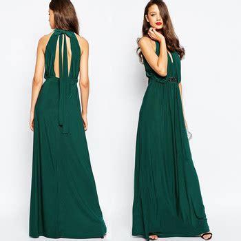warna solid zamrud hijau menghiasi gaun pesta tali desain