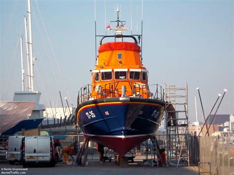 Living On A Boat Plymouth by Rnli Plymouth Severn Class Lifeboat 17 35 Sybil Mullen