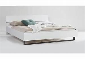 Bettgestelle 180x200 Ohne Matratze : bett attimi schlafzimmerbett wei hochglanz lackiert metallkufen 180x200 cm ebay ~ Bigdaddyawards.com Haus und Dekorationen