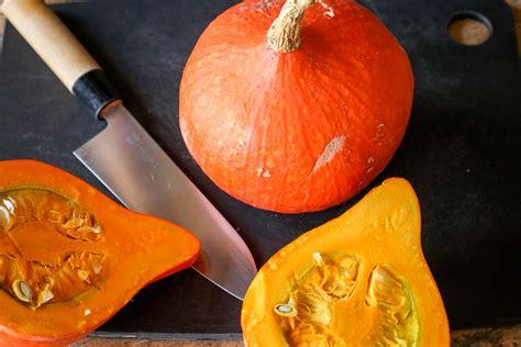 cuisiner un potiron eplucher et préparer un potiron une courge un potimarron