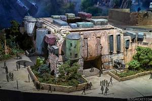 Star Wars: Galaxy's Edge Expanded Model and Force Ghost ...