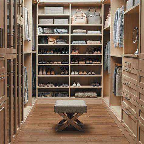 Begehbarer Schrank by Offener Begehbarer Kleiderschrank System Luxus Ankleide