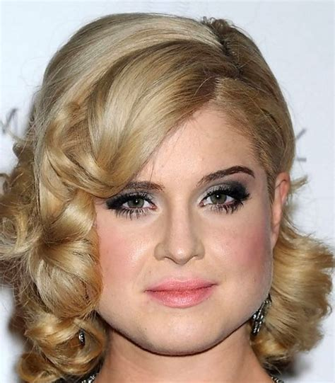 Medium Hairstyles: Cute Medium Length Haircut, celebrity