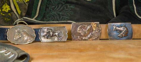 gürtelschnalle mit messer metallkunst peschl