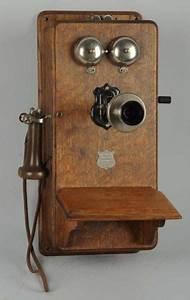 Telephone Mural Vintage : antique phone on pinterest ~ Teatrodelosmanantiales.com Idées de Décoration