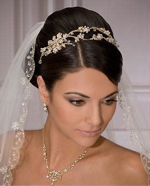 Wedding Tiaras by Wedding Veils And Tiaras Wedding Hairstyles With Veil
