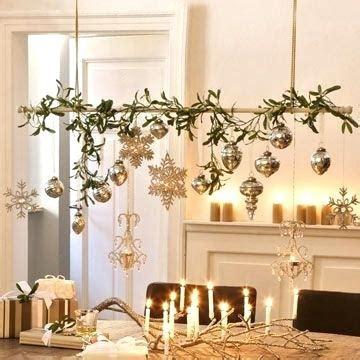 Weihnachtsdeko Fenster Stock by Nostalgische Weihnachtsdeko Vor Einem Fenster Buy This