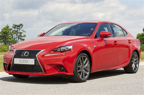Lexus models in the US suffer faulty software update   Autocar