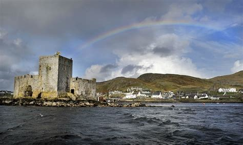 kisimul castle castlebay isle  barra castles