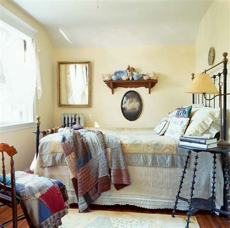 small cottage bedroom a sweet simple cottage bungalow multipurpose room 13310   a1ab1d06d979b711217a7acda704fbe6 bungalow bedroom cottage style bedrooms