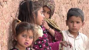 Pakistani School Helps Slum Kids - YouTube