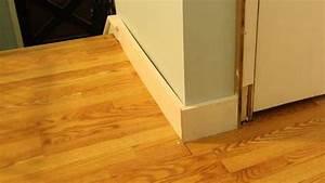 Plinthe Bois Electrique : pose de plinthes en bois bricolage facile ~ Melissatoandfro.com Idées de Décoration