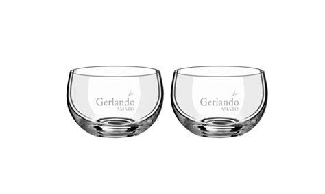 bicchieri amaro amaro gerlando con bicchieri amaro alle erbe amaro