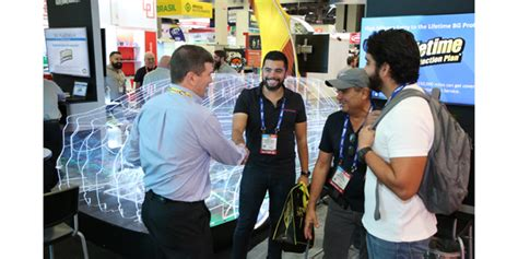 aapex  spotlights innovative products vehicle technology