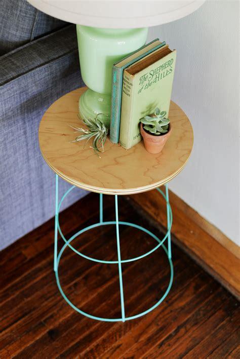 farmhouse home designs diy tomato cage side table