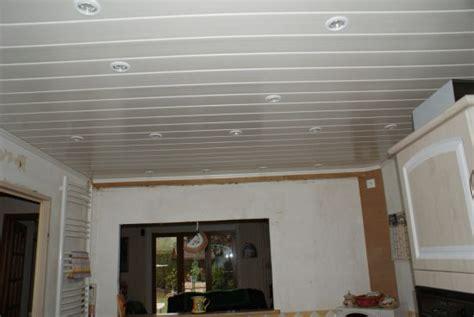 lambris plafond cuisine lambris pvc plafond pas cher