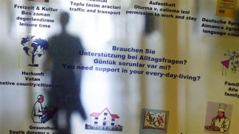 jobmesse deutschland empfängt 1 000 statistik 2015 kamen fast zwei millionen zuwanderer nach