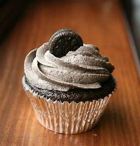 Mint Oreo cupcakes | Eat My Charlotte