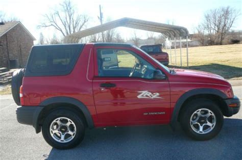 find   chevrolet tracker zr sport utility  door