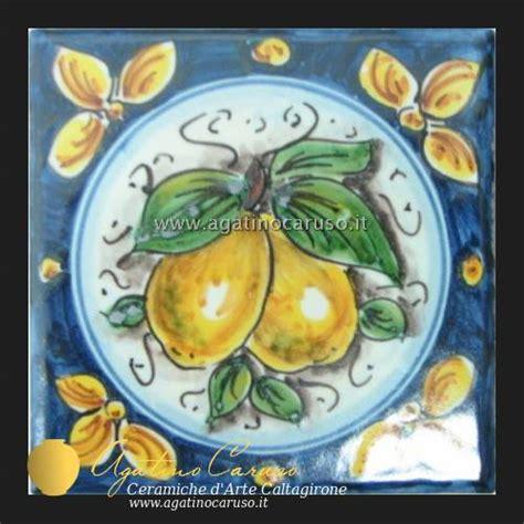 piastrelle dipinte a mano piastrelle caltagirone h001 ceramiche di caltagirone
