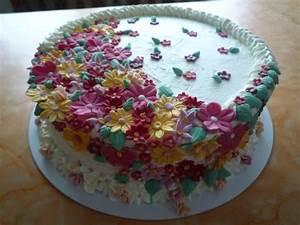 Kuchen Dekorieren Ideen : bl mchentorten f r meinen geburtstag motivtorten fotos forum ~ Markanthonyermac.com Haus und Dekorationen