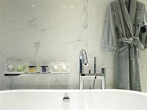 Salle De Bain Marbre Blanc : les rev tements en marbre vont aux salles de bains les plus design ~ Nature-et-papiers.com Idées de Décoration