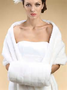 Ivory Pelted Faux Fur Hand Muff 3357M Winter Weddings