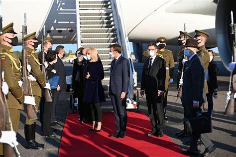 Francijas prezidents ieradies vizītē Lietuvā / Raksts