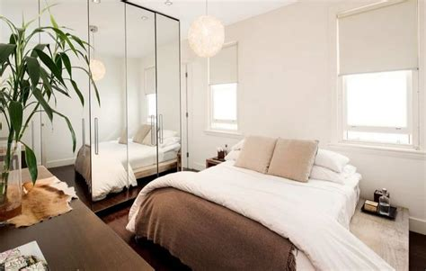 Awesome Small Bedroom With Large Mirror And Window Blinds