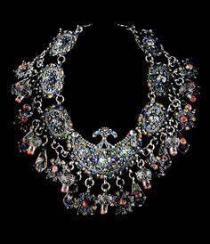 1000 images about robes kabyle et bijoux on pinterest With robe fourreau combiné avec bijoux charms argent